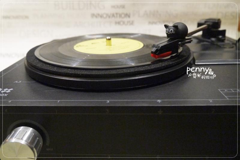 【spinbox黑膠唱盤開箱】我的第一台黑膠唱機 @penny小食光輕旅行
