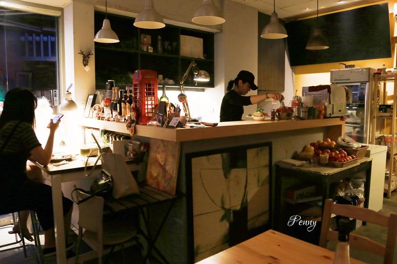 小食光|市政府早午餐-We&Me Café 是我們和我的咖啡館/餐點美味環境文青/帶一本好書享101風景
