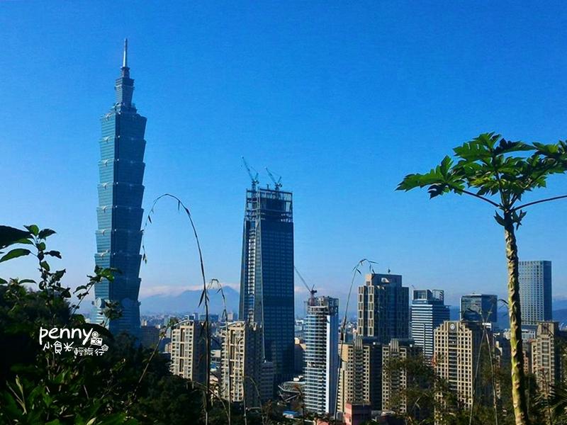 輕旅行|台北旅遊-不用走到鐵腿也可以登象山,永春崗公園入口,讓你輕鬆上象山賞景