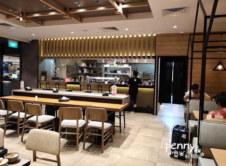輕旅行|小資旅行的好朋友/JCB白金卡以上卡別免費使用機場貴賓室/香港PP&新加坡TGM