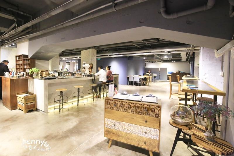 信義區咖啡|out of office 不在辦公室 我在咖啡館啊!!不限時大空間的聚餐好選擇